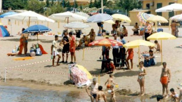 abusivismo, crotone, spiagge, Catanzaro, Calabria, Archivio