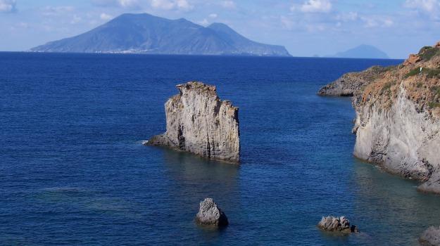 biodiversità ambienti idrotermali, eolie, Messina, Sicilia, Società
