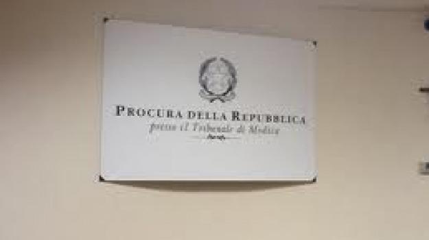 massimo la terra, rosa trovato, uxoricida, Sicilia, Archivio
