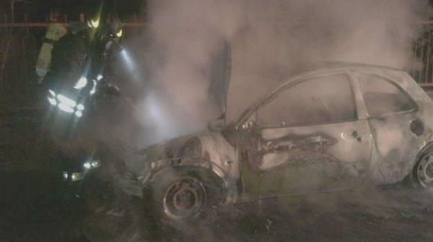 anziano, auto, incendio, messina, morto, Messina, Archivio