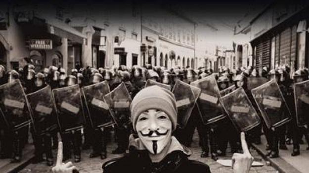 anonymous, antonella beccaria, noi siamo legione, Sicilia, Archivio
