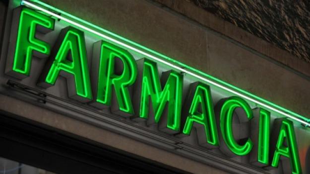 farmacie calabria, Calabria, Economia