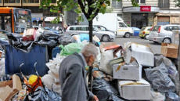 emergenza rifiuti, protesta, risarcimento, sindaci savuto, Calabria, Archivio