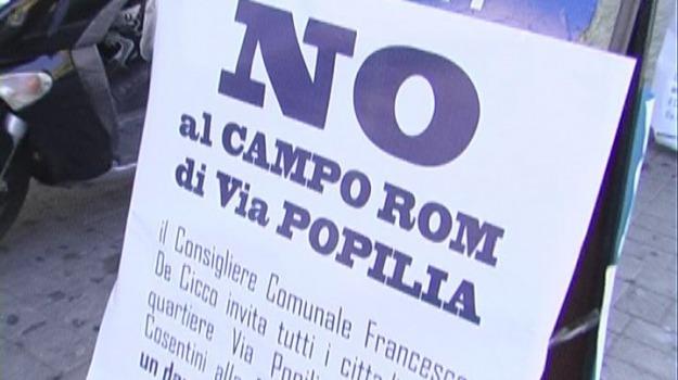 campo rom protesta, cosenza, via popilia, Cosenza, Calabria, Archivio