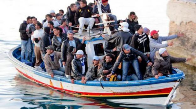 fermati, migranti, scafisti, Sicilia, Archivio