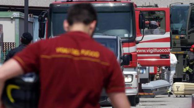incendio a milano, Sicilia, Archivio, Cronaca