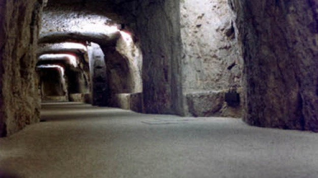 boom turismo a siracusa, Sicilia, Archivio