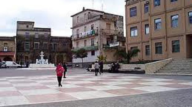 cutro, folgorato, Catanzaro, Calabria, Archivio