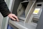 Chiaravalle, trova 600 euro al bancomat e li restituisce