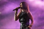 """Incidente """"hot"""" per Laura Pausini"""