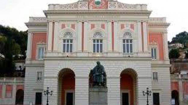 comune cosenza, isabel russinova, stagione lirica, stagione teatrale, teatro rendano, Cosenza, Archivio