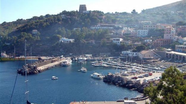 ustica, Sicilia, Cronaca