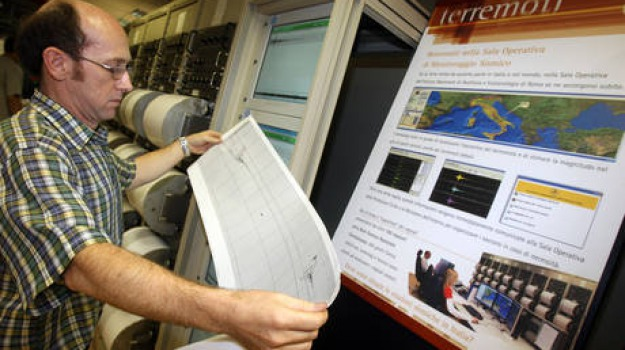 pollino, sciame sismico, scossa, terremoto, Catanzaro, Cosenza, Calabria, Archivio
