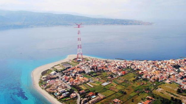 pilone, spiaggia, torre faro, torri morandi, Messina, Archivio
