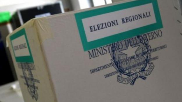 comizi elettorali, elezioni regionali, manifesti, Messina, Archivio