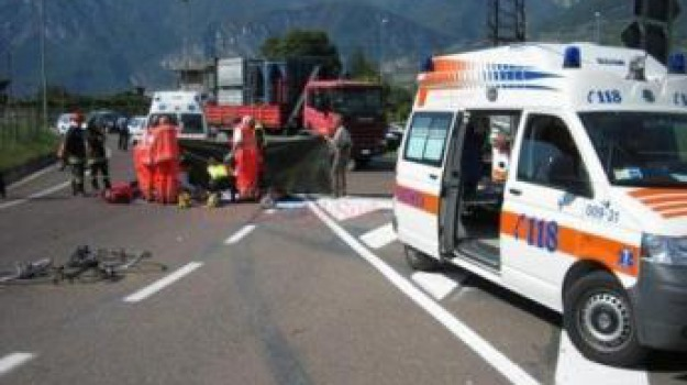 donna morta, incidente stradale, Sicilia, Archivio
