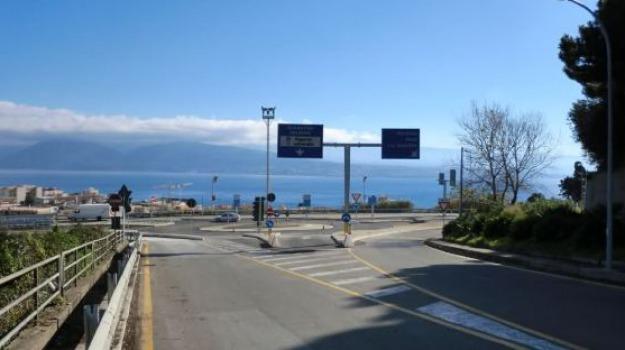 panoramica dello stretto, renato accorinti, Messina, Archivio