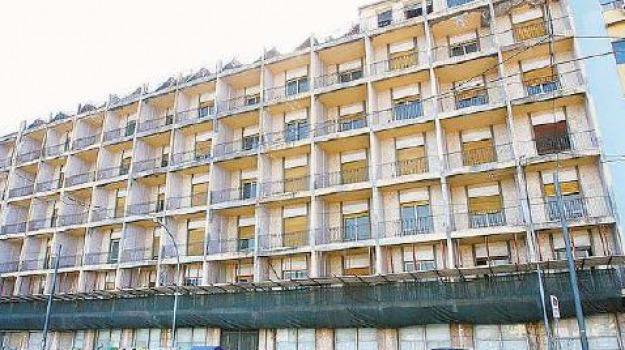 hotel riviera, palazzo dei leoni, Messina, Archivio
