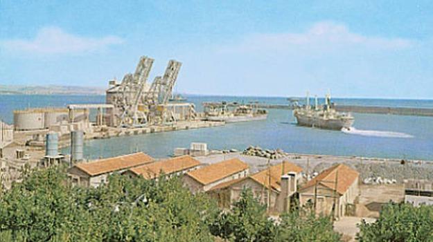amianto, crotone, ispezione, navi tirrenia, porto, Catanzaro, Calabria, Archivio