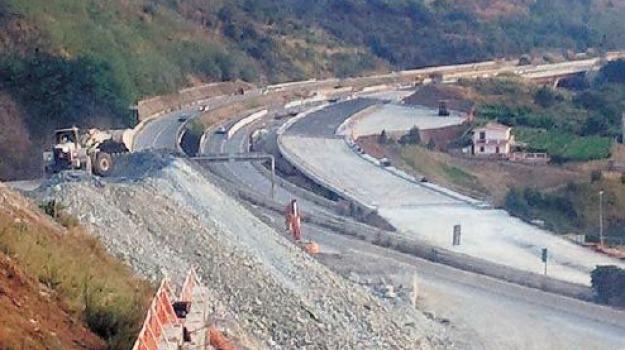 autostrada a3, villa san giovanni, Reggio, Calabria, Archivio