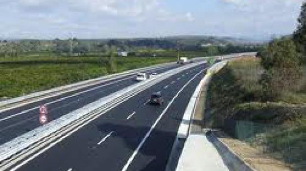 autostrada catania ragusa, Sicilia, Archivio