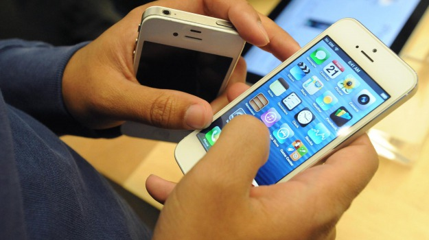 app, apple, iphone 5, mappe, tom tom, Sicilia, Archivio, Cronaca