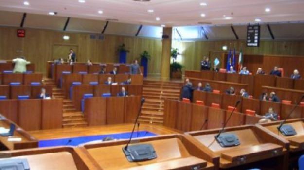 calabria, consiglio regionale, evitato scioglimento, Calabria, Archivio