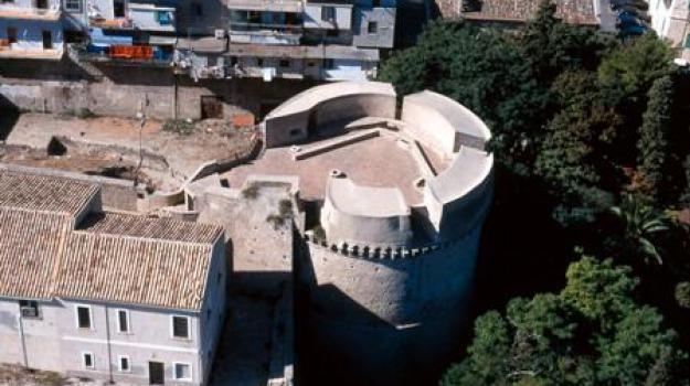 carlo v, castello, crotone, intesa, valorizzazione, Catanzaro, Calabria, Archivio