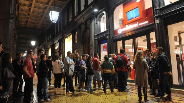 aperti, iphone 5, negozi, notte, Calabria, Archivio