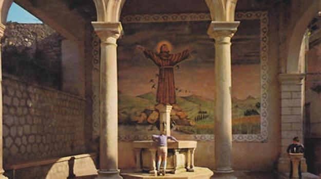 fontana, salerno, seggio di teggiano, totò, vendita, Sicilia, Cronaca