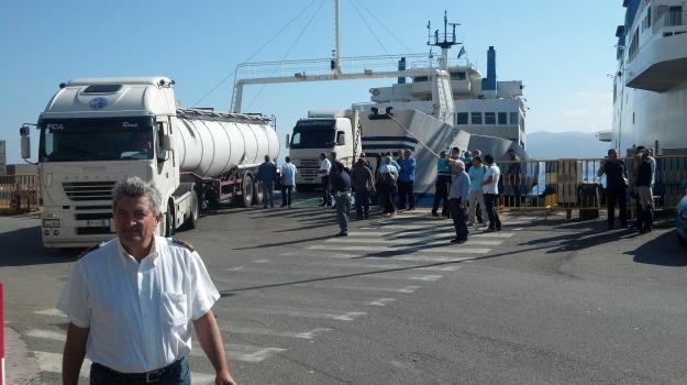 sciopero caronte, Reggio, Messina, Calabria, Archivio
