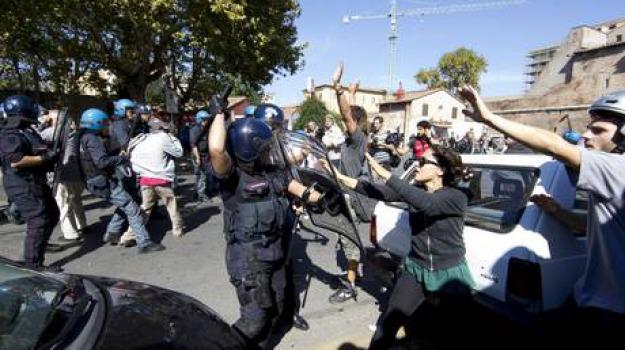 manifestazioni, picchiati, polizia, studenti, Sicilia, Cronaca