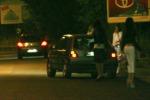 Manovale stuprava e rapinava prostitute Arrestato dalla polizia