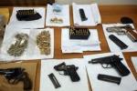 Nascondevano armi dietro un altare