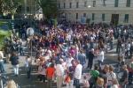 Flash mob dei prof davanti al ministero