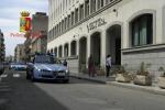 Armi in un casolare, arresti a Reggio