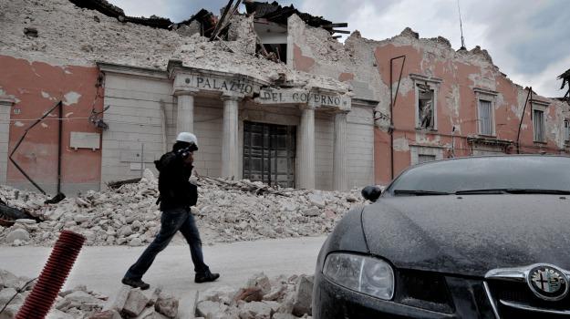dimissioni, grandi rischi, protezione civile, Sicilia, Archivio, Cronaca