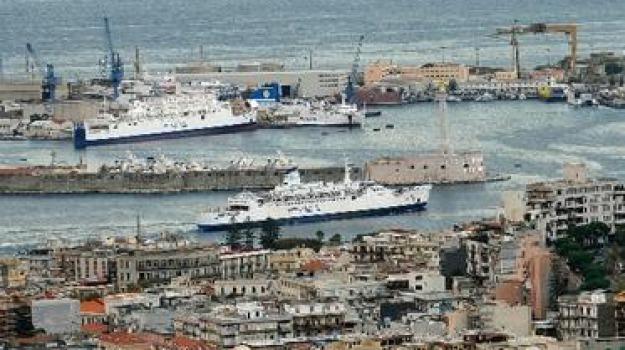 intercettazioni sul traghetto, Reggio, Messina, Calabria, Archivio