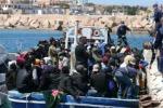 60 scelti a caso accoltellati e gettati in mare