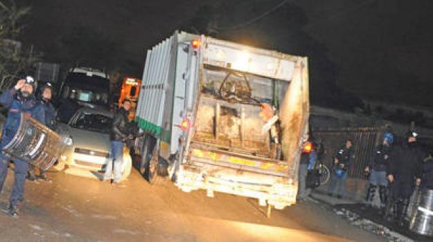 camion, muore, rifiuti, stritolato, Sicilia, Archivio, Cronaca