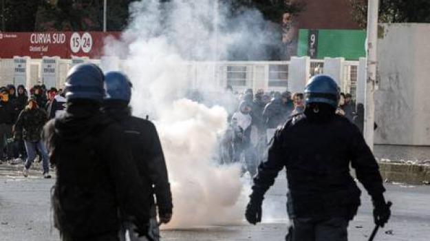 molotov, Sicilia, Archivio, Cronaca