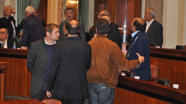 consiglio provinciale, nanni ricevuto, pippo rao, previsionale 2012, Messina, Archivio
