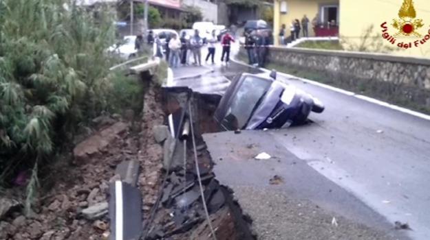 auto, burrone, cetraro, cosenza, ferito, Cosenza, Calabria, Archivio