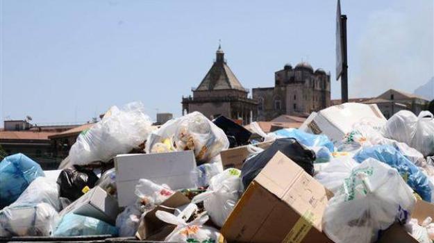 rifiuti messina, Messina, Sicilia, Archivio