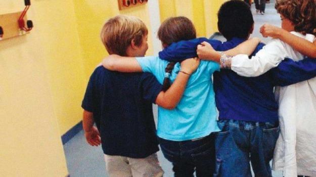 bambini, cittadinanza, crotone, italiana, stranieri, Catanzaro, Calabria, Archivio