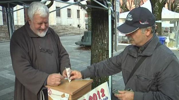 il paradiso dei poveri, natale 2012, padre fedele bisceglia, raccolta fondi, Cosenza, Archivio