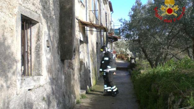 anziano, casa, muore, Calabria, Archivio