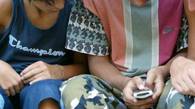 cellulari, sms, Calabria, Archivio, Cronaca