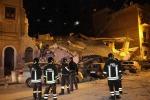 Crollano due palazzine un morto e 3 dispersi