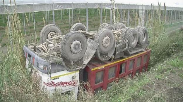 camion ribaltato, orsomarso, Calabria, Archivio